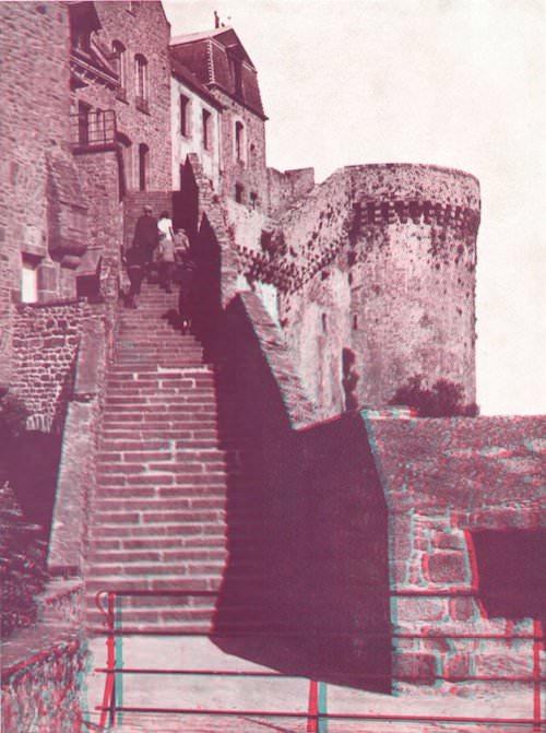Le Mont-Saint-Michel en relief par les Anaglyphes